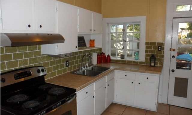 60 S Lafayette St Kitchen