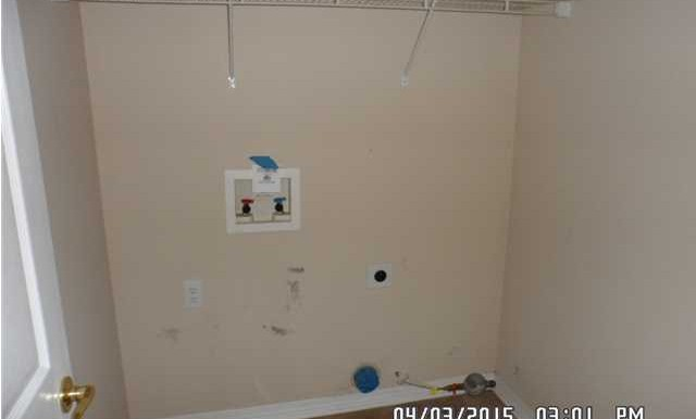 1302 Kilearn Dr Laundry