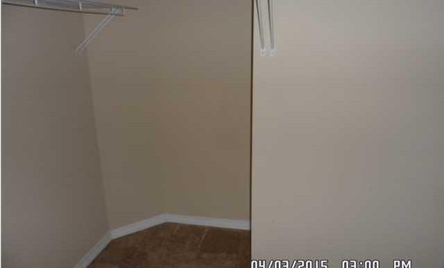 1302 Kilearn Dr Walkin Closet