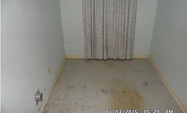 1600 Mississippi St Laundry