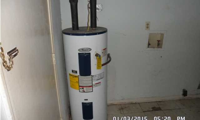 1600 Mississippi St Laundry - Water Heater