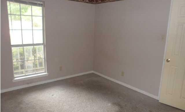 1120 Wellington Ct S Second Bedroom