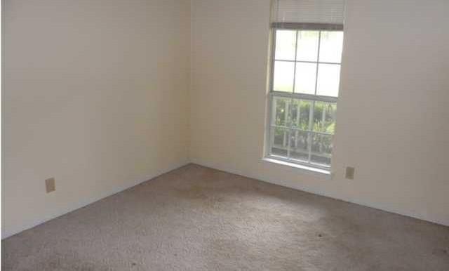1120 Wellington Ct S Third Bedroom