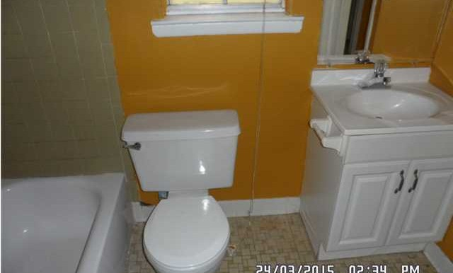 266 Carstens St Bathroom