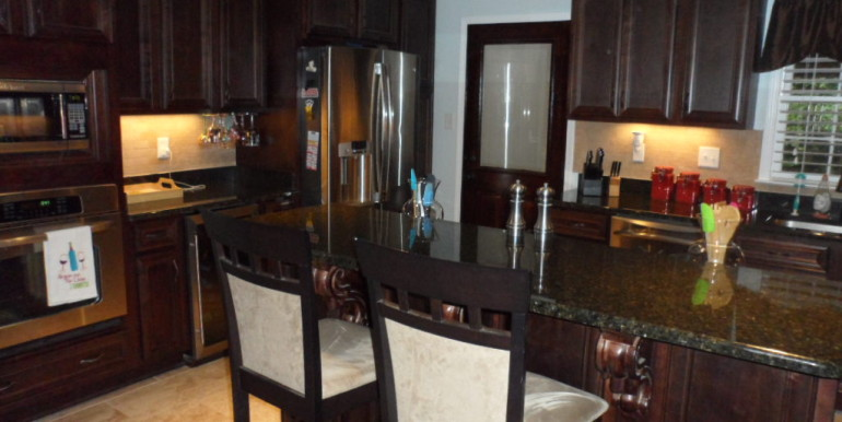 366 Byron Ave E Kitchen (3)