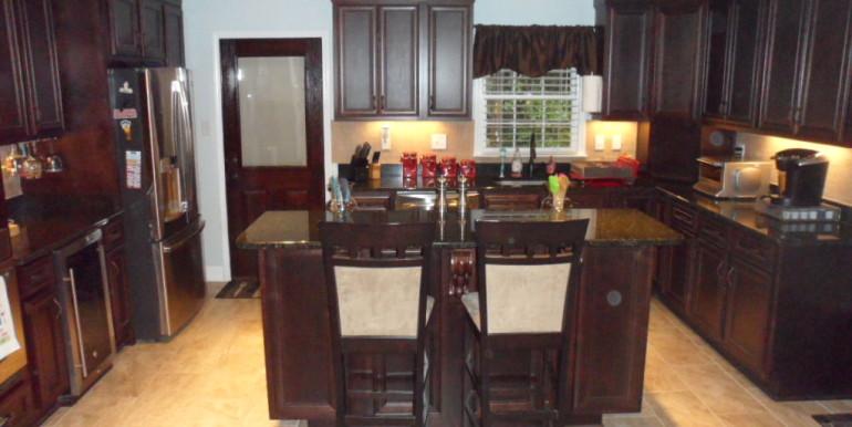 366 Byron Ave E Kitchen