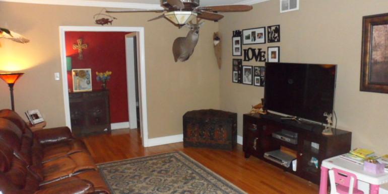 366 Byron Ave E Living Room