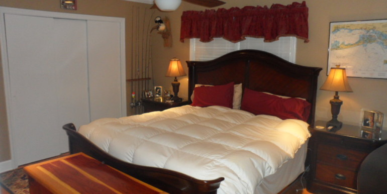 366 Byron Ave E Master Bedroom