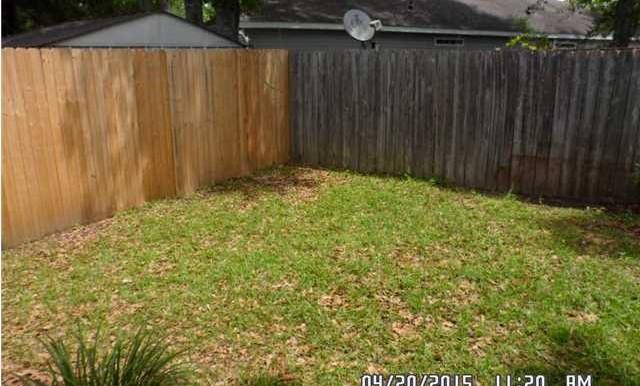 1999 Laurel Oak Ct Backyard