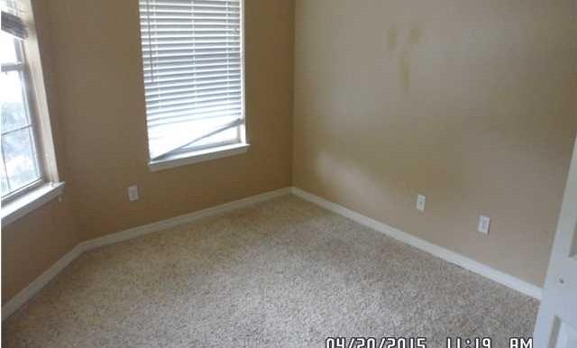 1999 Laurel Oak Ct Bedroom 3