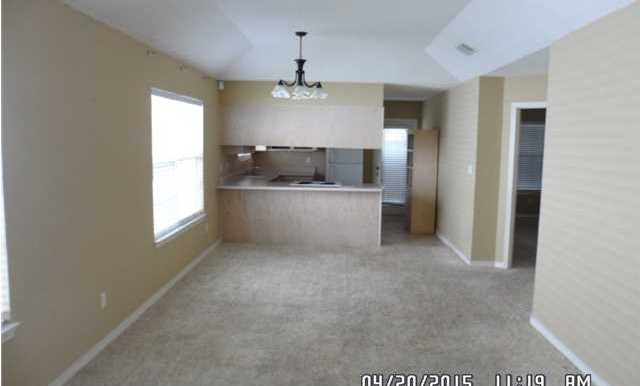1999 Laurel Oak Ct Living Room