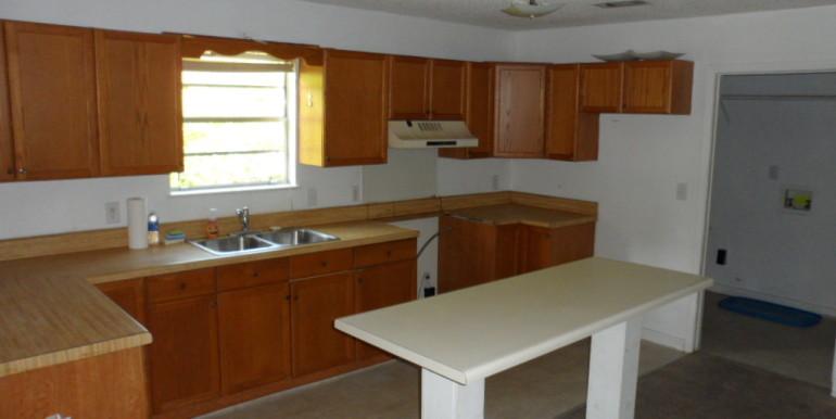 2122 Gimon Cir N Kitchen 2