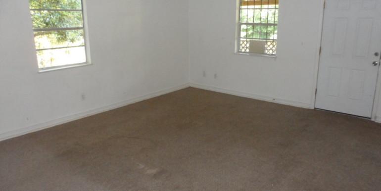 2122 Gimon Cir N Living Room