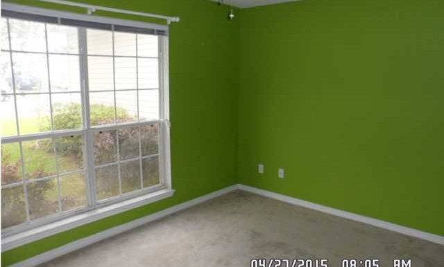 649 Spring Lake Dr W Bedroom 2