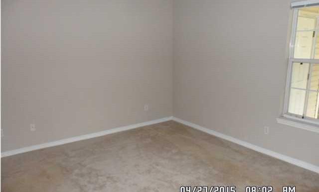 649 Spring Lake Dr W Bedroom