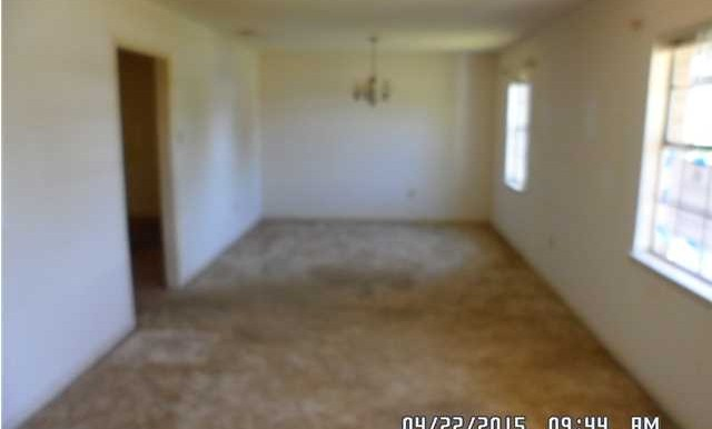 7054 Silver St Living Room Dining Room