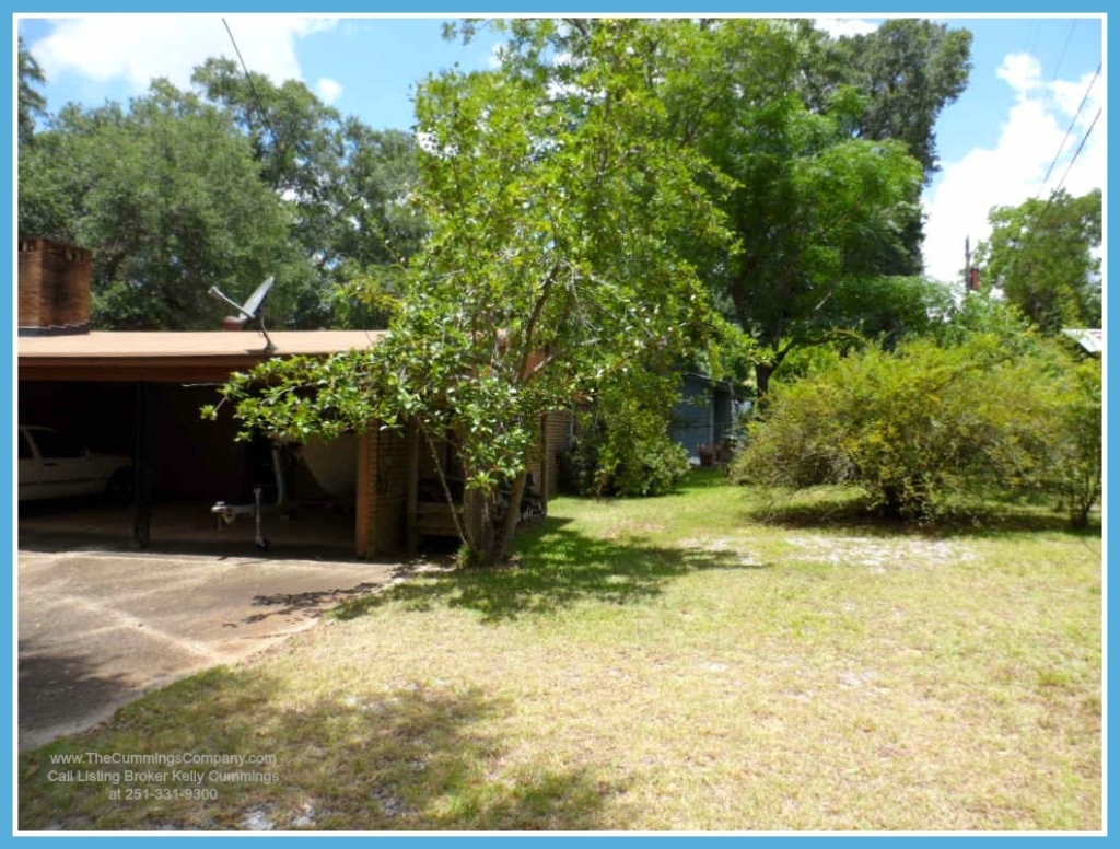 Mobile AL Home For Sale with Fenced Backyard