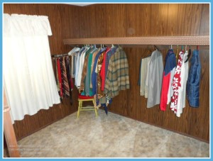Mobile AL Home For Sale with Walk-in Closet