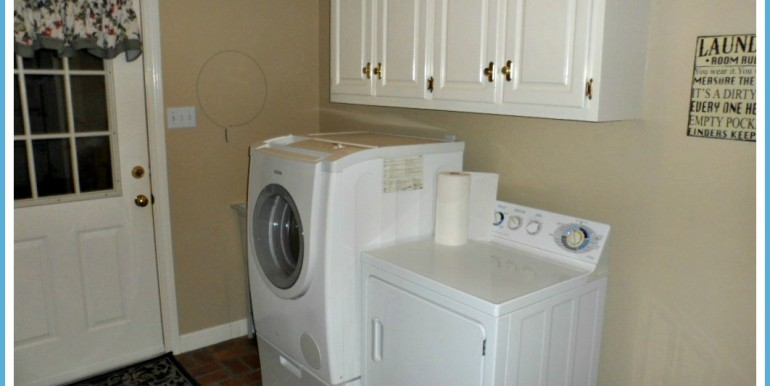1385 Cameron Dr Mobile AL 36695 Laundry Room