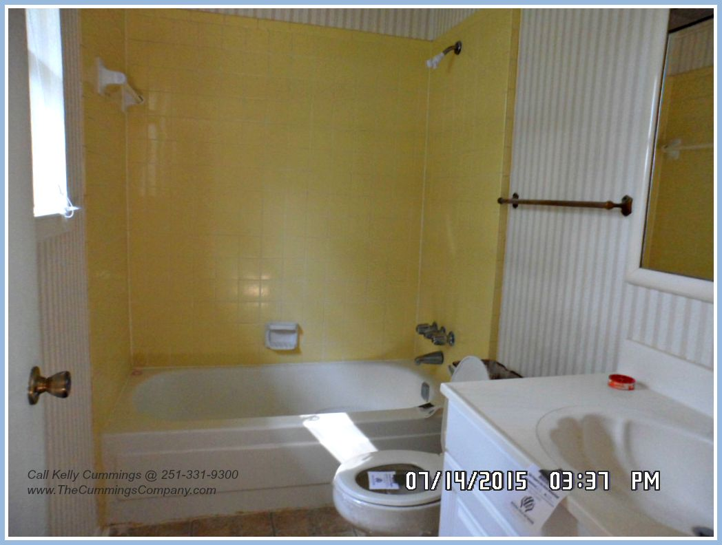 2 Bathroom Foreclosure For Sale in Mobile AL