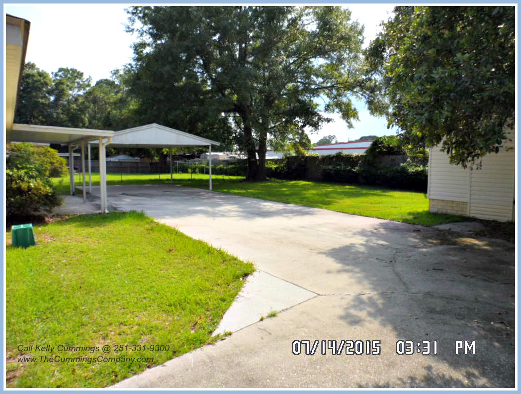 Mobile AL Foreclosure For Sale with 2 Car Carport