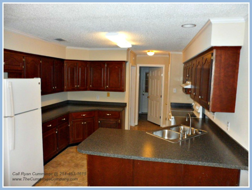Updated Kitchen in West Mobile Foreclosure Home For Sale