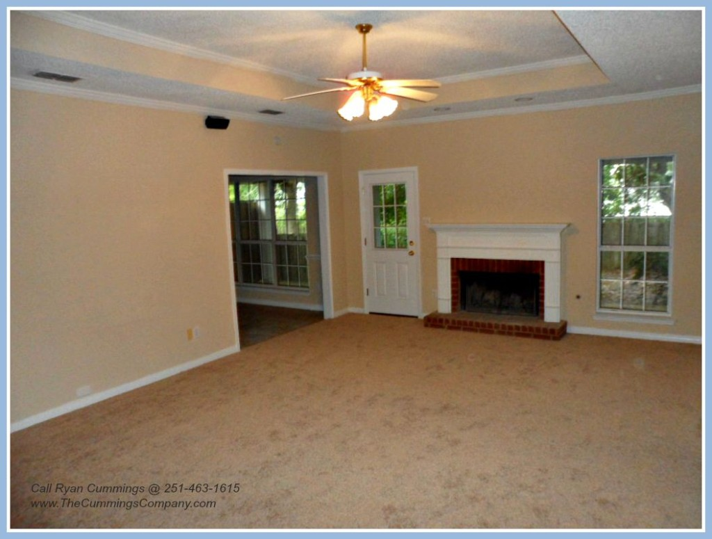 Foreclosure with Open Floor Plan For Sale in Mobile AL