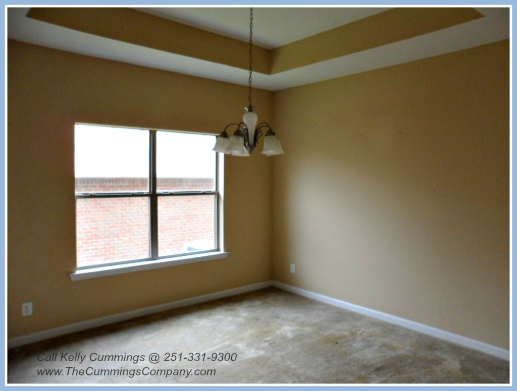 Mobile AL Foreclosure with Formal Dining Room For Sale
