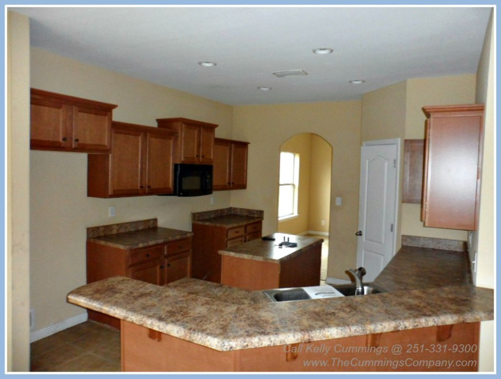 Foreclosure For Sale with Spacious Kitchen in West Mobile