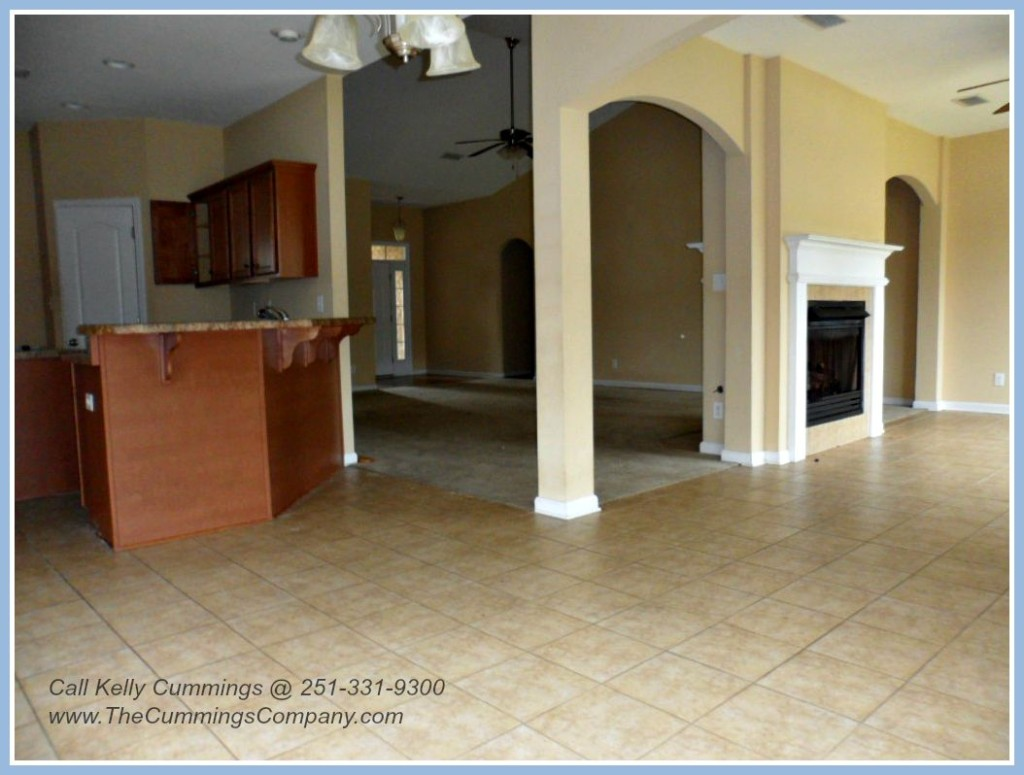 Large 2500 Square Foot Foreclosure For Sale in West Mobile