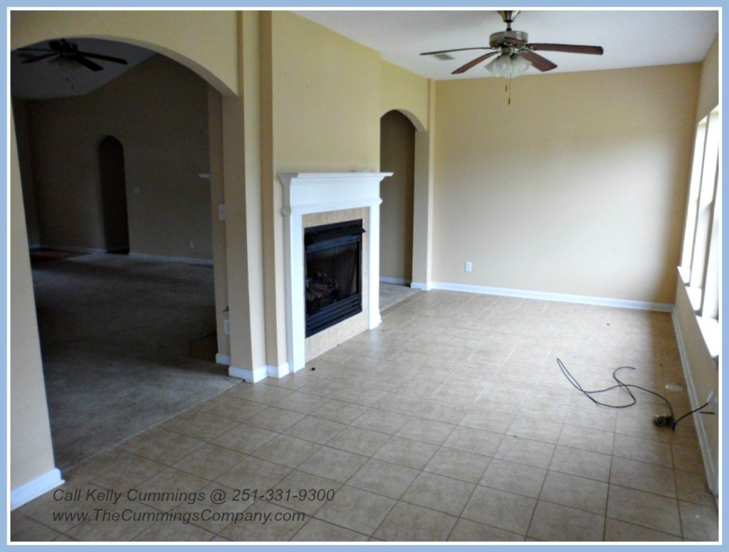 West Mobile Foreclosure with Sun Room