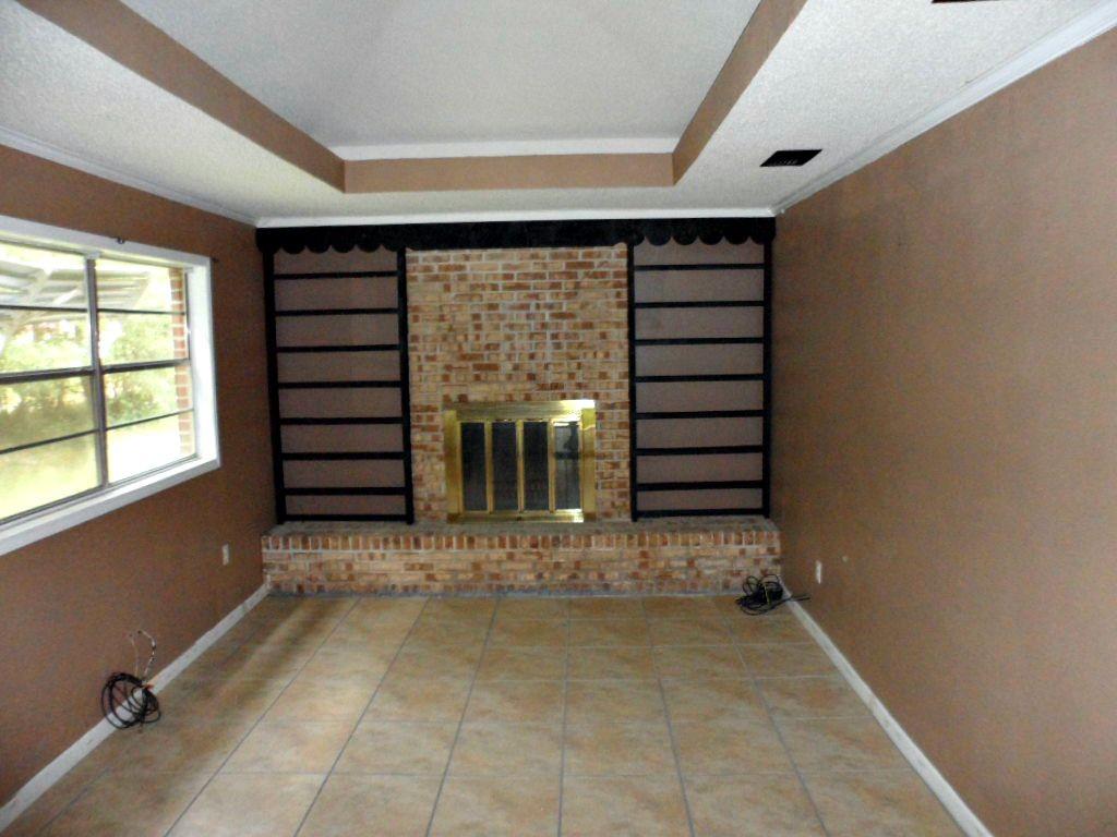 Foreclosure in Mobile AL with Bonus Room or Den