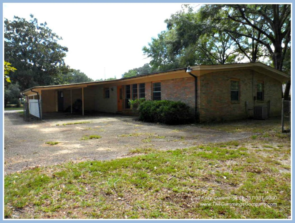 Foreclosure Home with Carport For Sale in Mobile AL