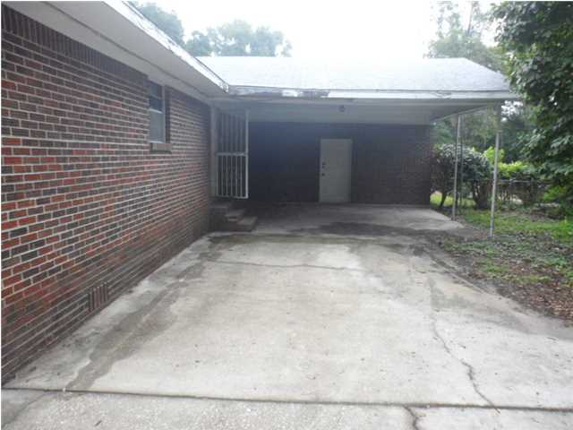 Foreclosure For Sale with Carport