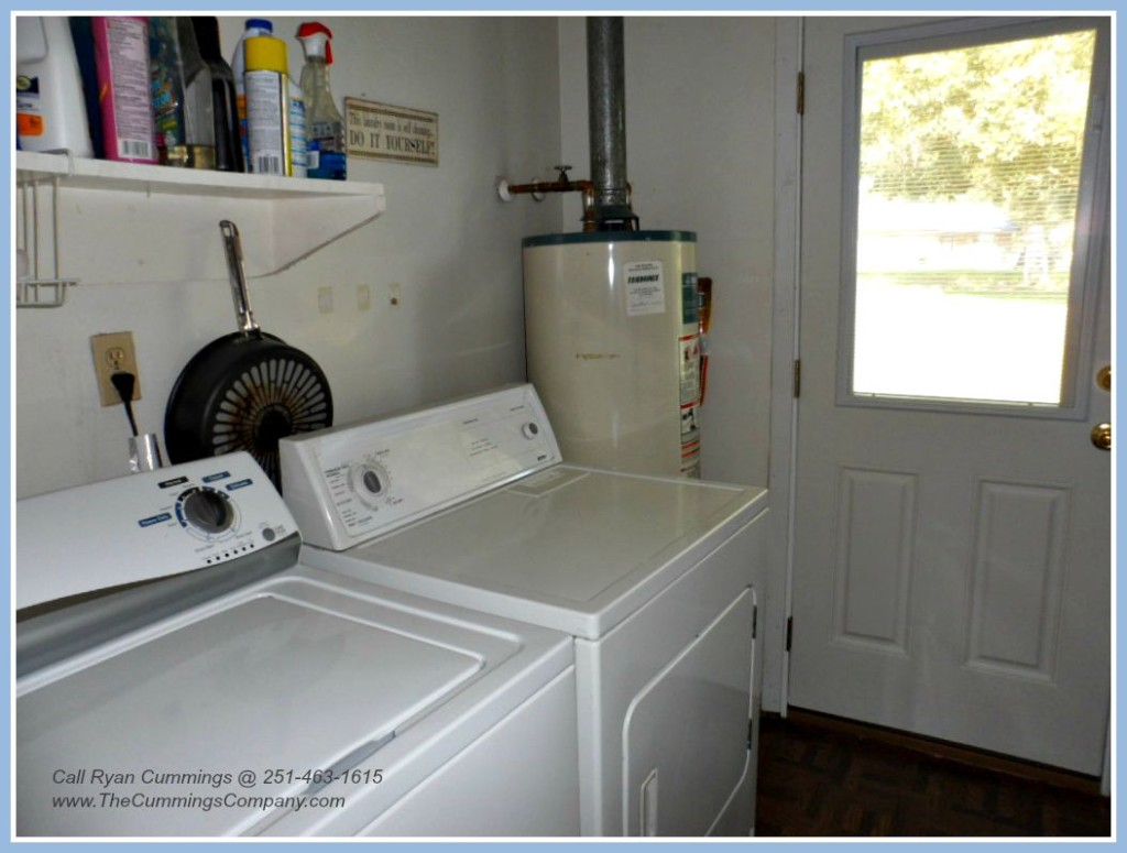 Mobile AL Home For Sale with Laundry Room