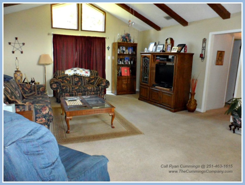 Mobile AL Home For Sale with Large Living Room