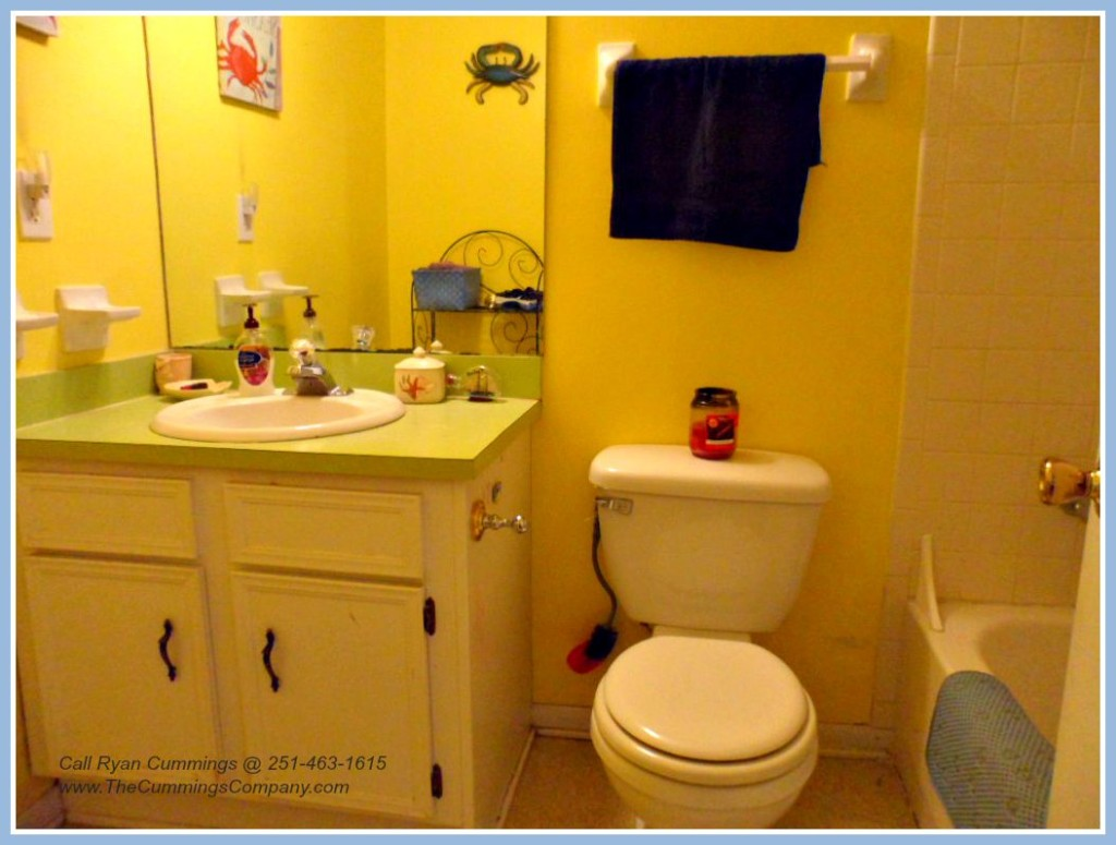 Mobile AL Home For Sale with 2 Bathrooms