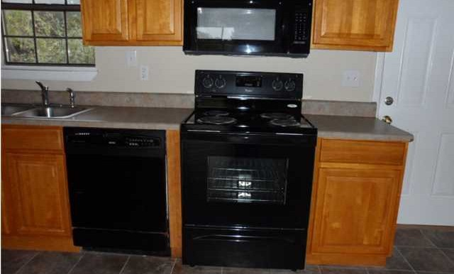 Appliances at 8060 Elizabeth St Citronelle AL 36522