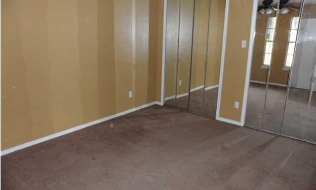 Bedroom at 5608 Cottage Hill Rd APT 115 Mobile AL 36609