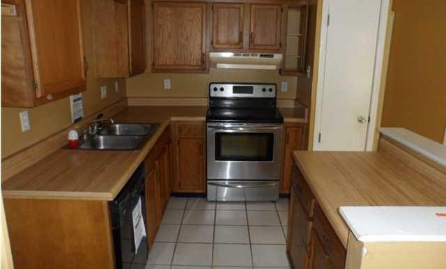 Kitchen at 5608 Cottage Hill Rd APT 115 Mobile AL 36609
