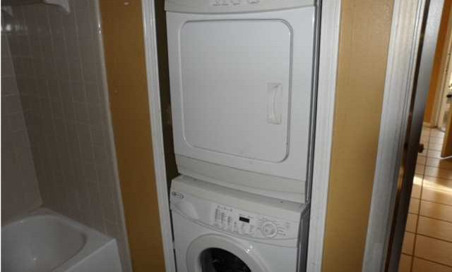 Laundry Area at 5608 Cottage Hill Rd APT 115 Mobile AL 36609