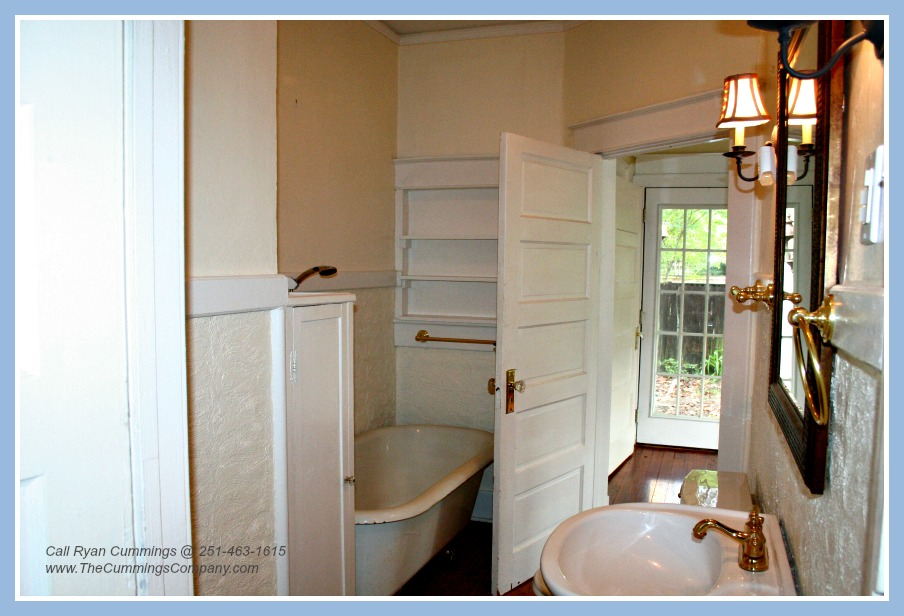 Midtown home for sale with clawfoot tub