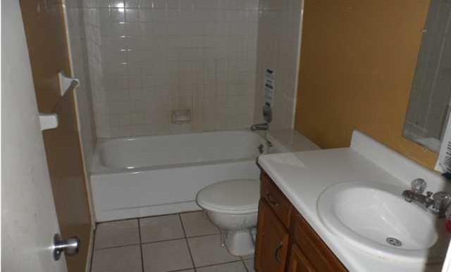 Second Bathroom at 5608 Cottage Hill Rd APT 115 Mobile AL 36609