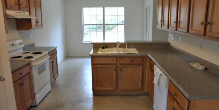2626 Rosebud Dr Mobile AL 36695 Kitchen
