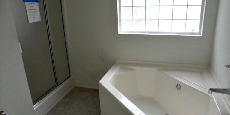 2626 Rosebud Dr Mobile AL 36695 Master Bath 1