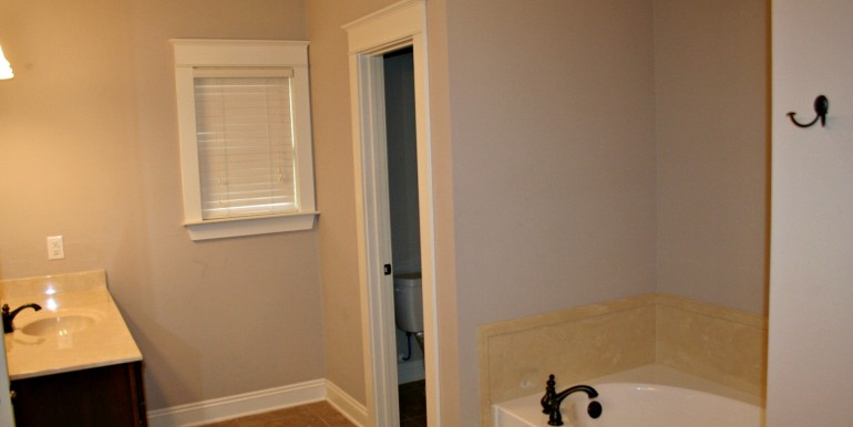 3377 Hardwood Dr Saraland AL 36571 Master Bathroom 2