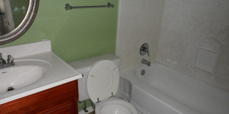 Bathroom 1 at 1251 Henckley Ave 204 Mobile AL