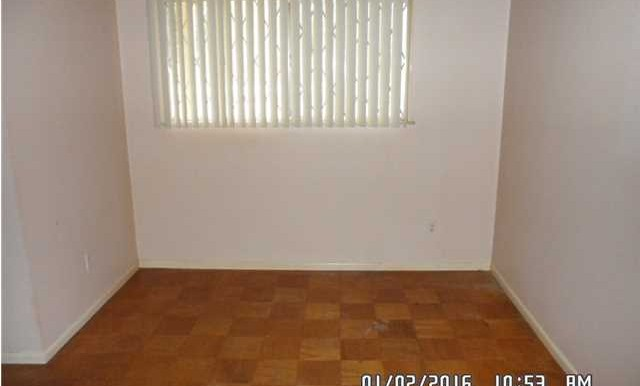 Dining Room at 312 N University Blvd Mobile AL 36608