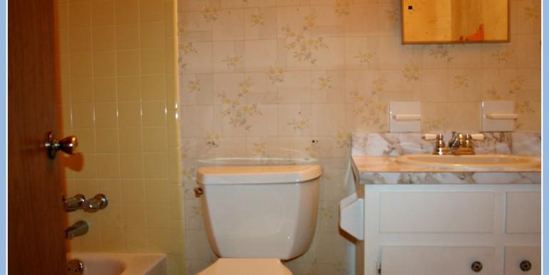 6048 Idlemoore Ct Theodore AL 36582 Second Bathroom