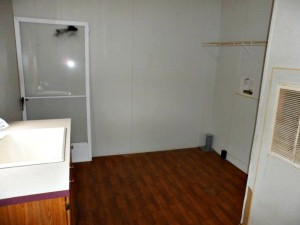 Foreclosure homes for sale with inside laundry room